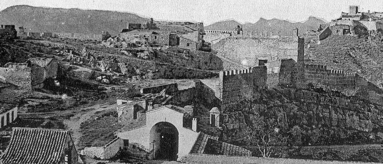 Castell de Sagunt, al segle XX.    LEVANTE-EMV