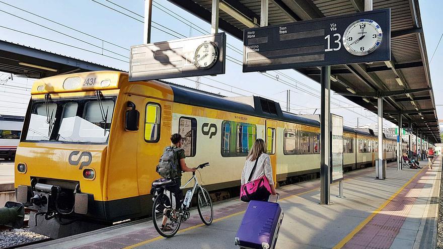 """Arriva mantiene su """"voluntad"""" de operar el tren a Oporto, parado por obras pendientes y el COVID"""