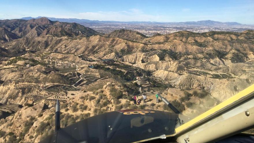 Rescatada en helicóptero una senderista accidentada en el Paraje de Los Mamellones