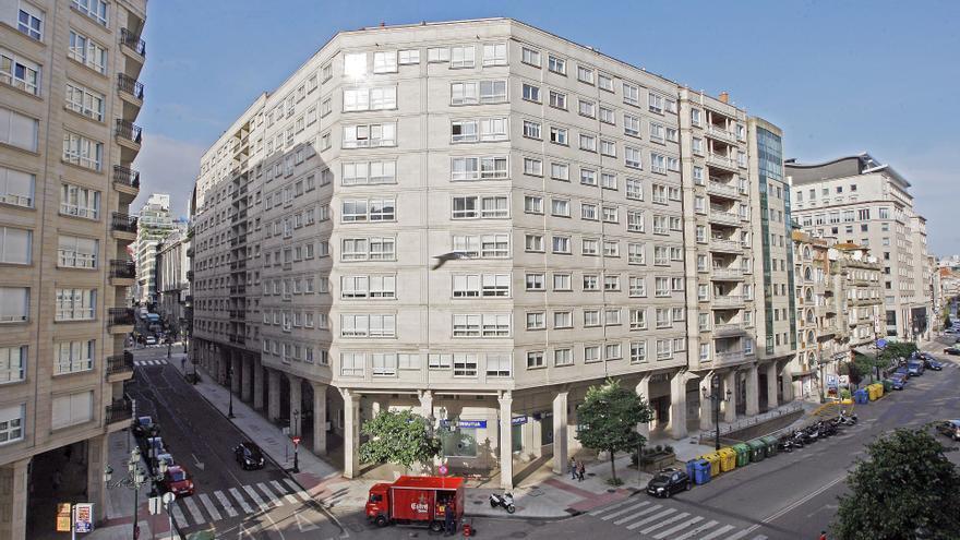Adif subasta dos viviendas en el centro de Vigo