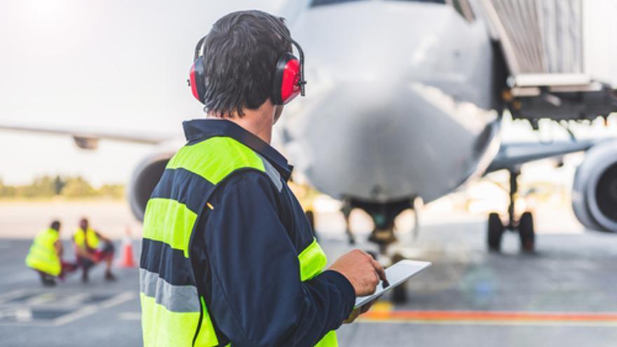 Se necesitan agentes de tráfico y de rampa para trabajar en el aeropuerto