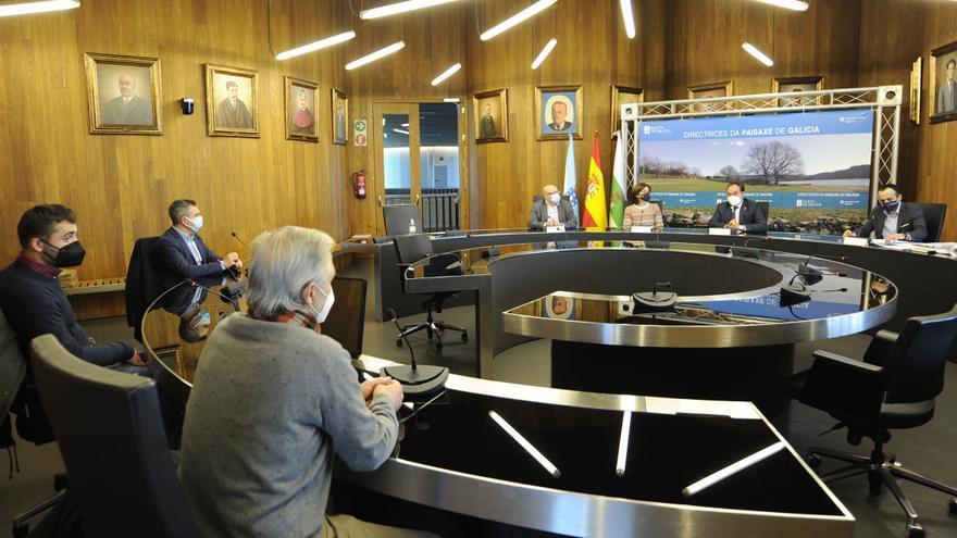 La Xunta apoyará a concellos y vecinos en la defensa del territorio y contra el feísmo