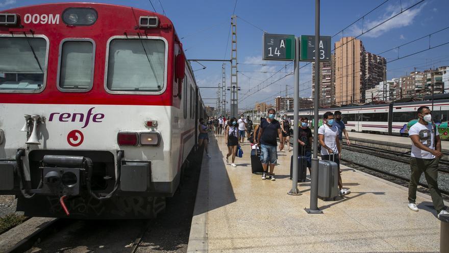 Los servicios de tren que unen Madrid y Albacete con Murcia se restablecerán el lunes