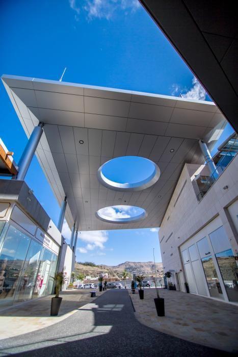Interior del Centro Comercial Alisios