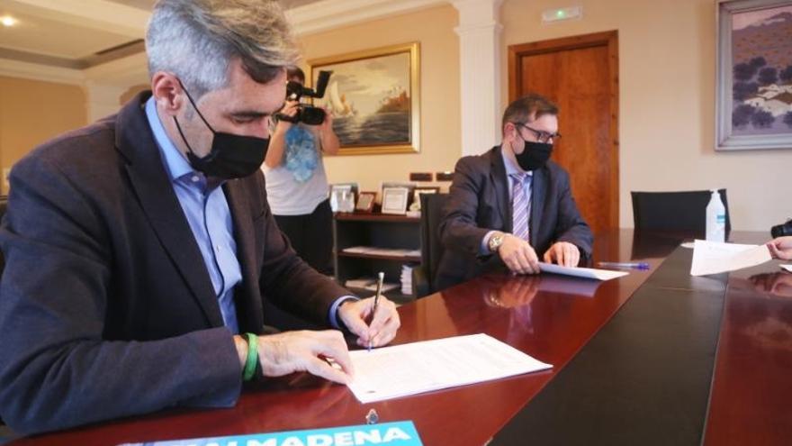 El Ayuntamiento de Benalmádena firma un convenio con el Colegio de Administradores de Fincas