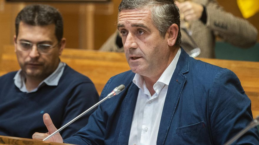 El PP suspende de militancia al alcalde de Benavites y diputado acusado de malos tratos