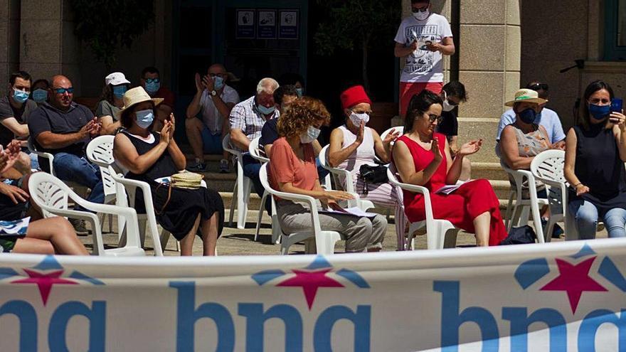 El BNG congrega a un centenar de personas en Vila de Cruces