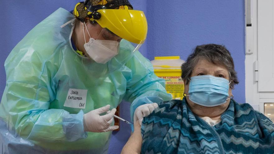 La Región, a la cola en la administración de vacunas