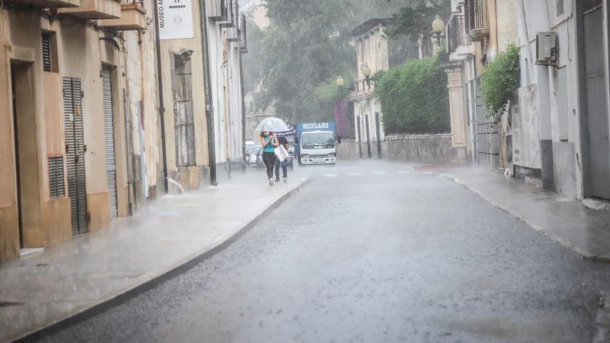 La semana de la vuelta al colegio arranca con lluvias y máximas en descenso