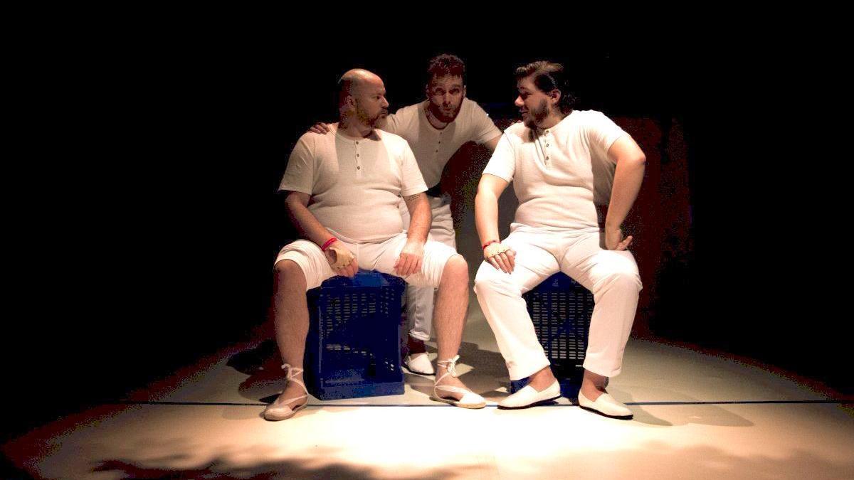 Jaume Ibáñez, Fernando Soler i Robert de la Fuente en un moment de la representació.