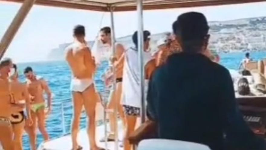 Fiesta ilegal en un barco en la costa de Puerto Rico