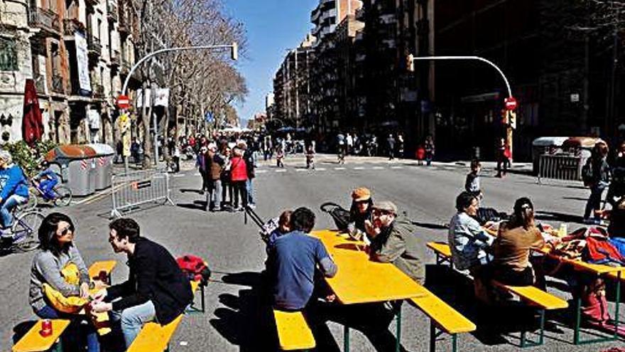 Tallers, jocs i esports en una nova jornada sense cotxes a Barcelona