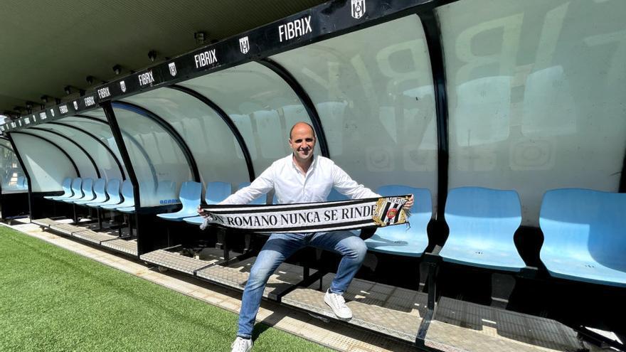 La dirección deportiva del Mérida seguirá en manos de Ander Garitano