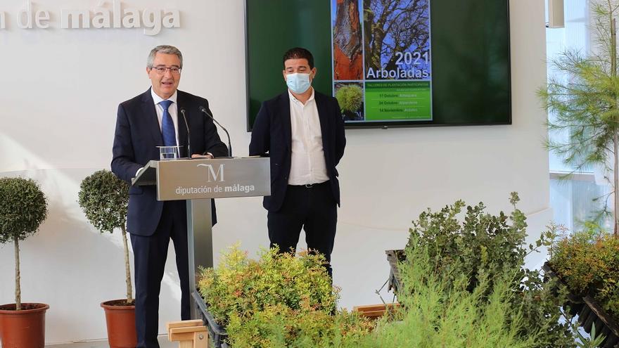 La Diputación recupera las jornadas de plantación de árboles en Antequera, Alpandeire y Ardales