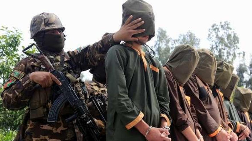 Los talibanes rechazan la libertad gradual para 5.000 prisioneros