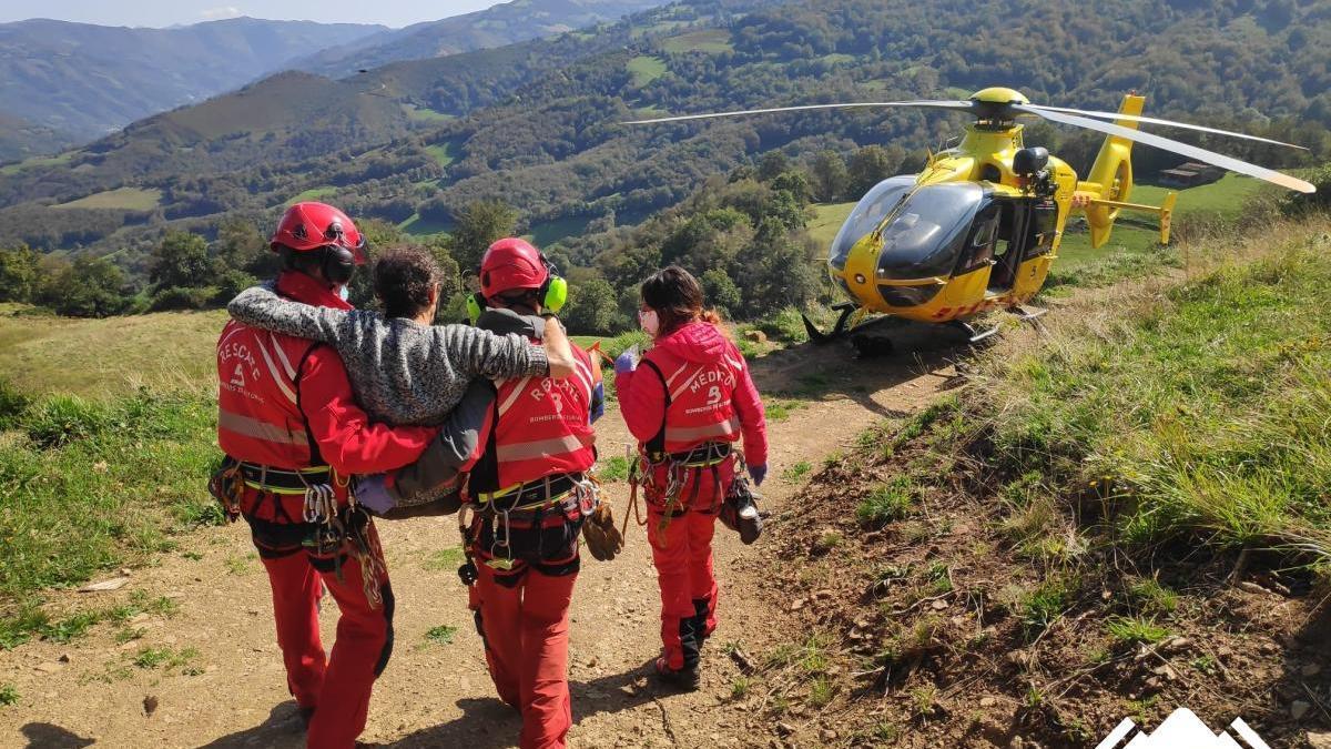 Los equipos médicos, en el momento de la evacuación
