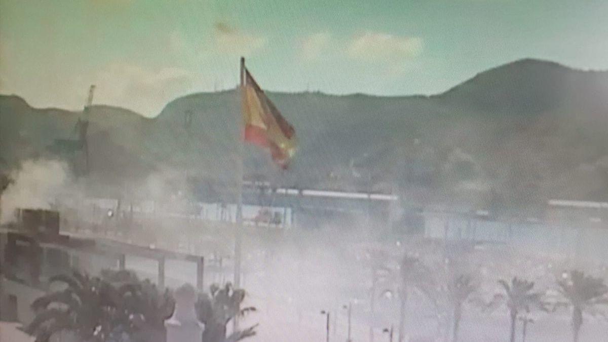 Arde parte de un local de comida rápida en el Puerto de Cartagena