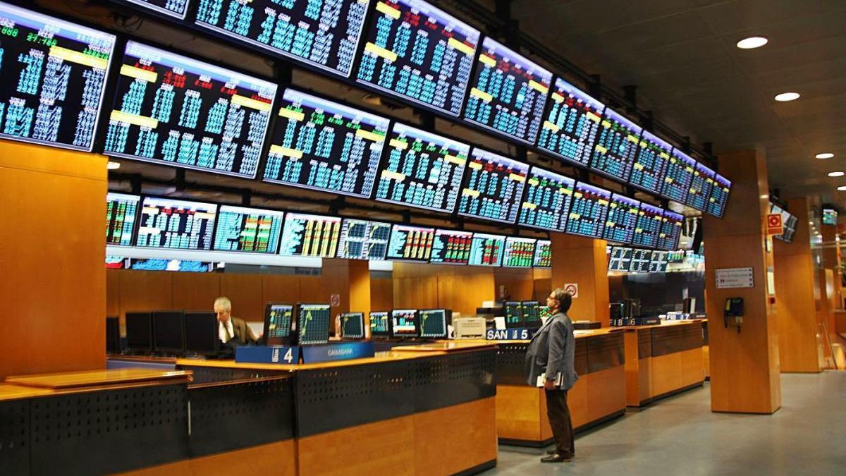 Els panells informatius de la Borsa de Barcelona.