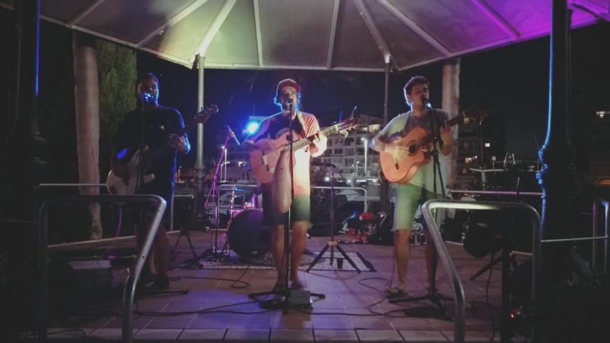 El «one man band», Stene Moshka, actua aquesta nit a Empuriabrava