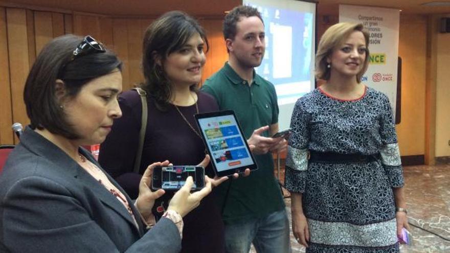 La ONCE presenta en Asturias los primeros juegos para móviles accesibles a las personas ciegas