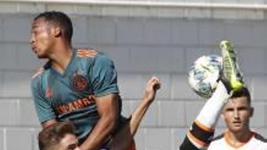 El Ajax Juvenil no tuvo piedad