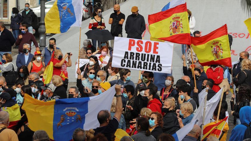 Concentración de la Plataforma Únete por Canarias ante la crisis migratoria