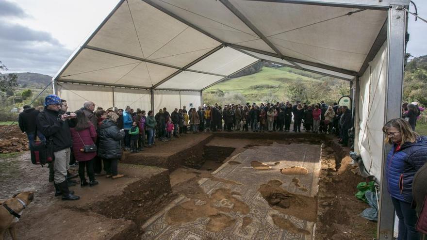 Les Regueres busca fondos pa siguir descubriendo la villa romana de La Estaca