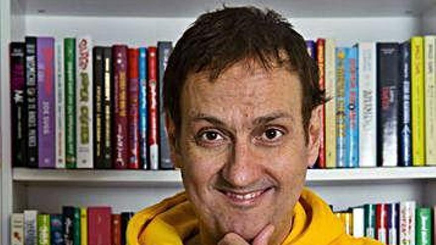 El escritor Albert Espinosa crea la serie 'Los Espabilados' para Movistar +