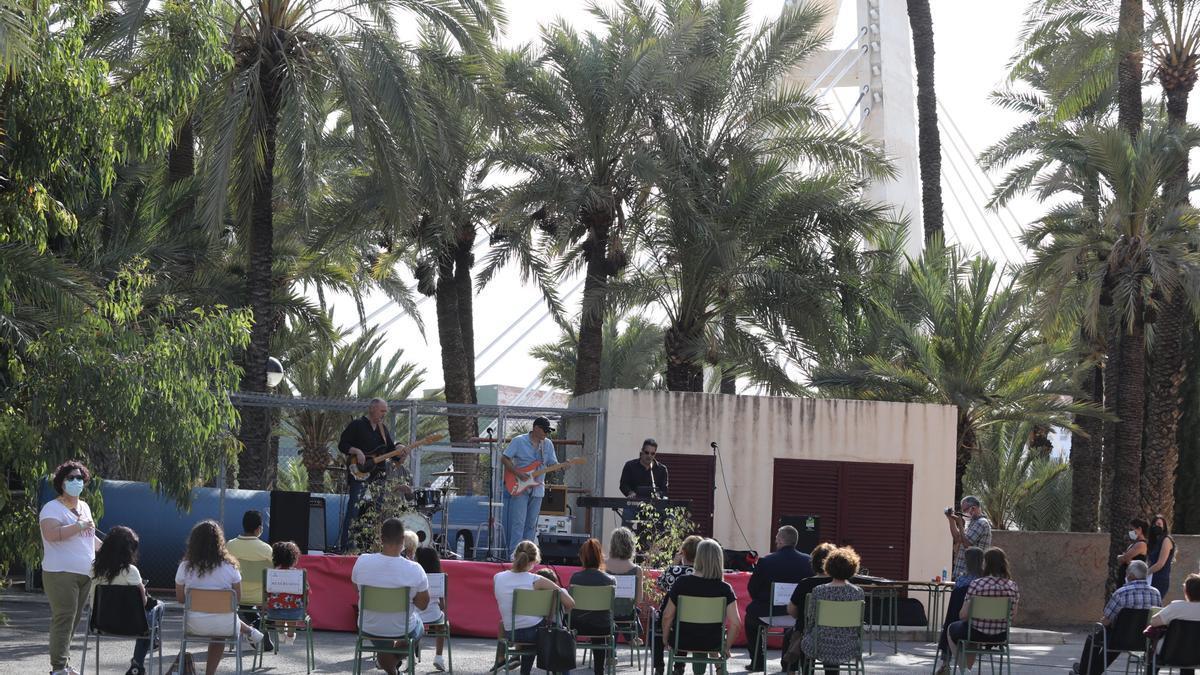 La ceremonia contó con una lectura dramatizada y música en directo