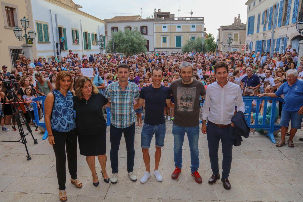 Artà homenajea al ciclista Enric Mas