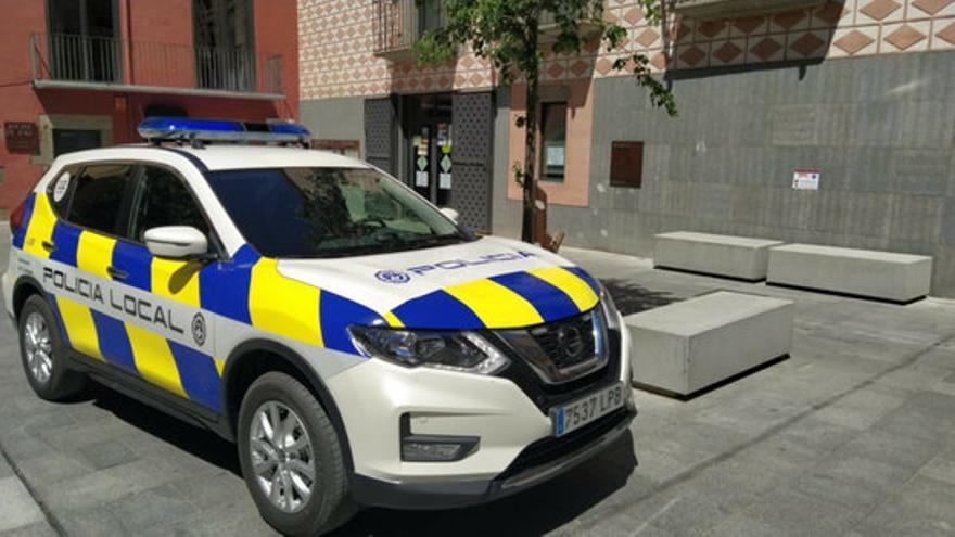 Dos policies locals de la Jonquera atrapen uns lladres fent un assalt 'peruà' a l'autopista