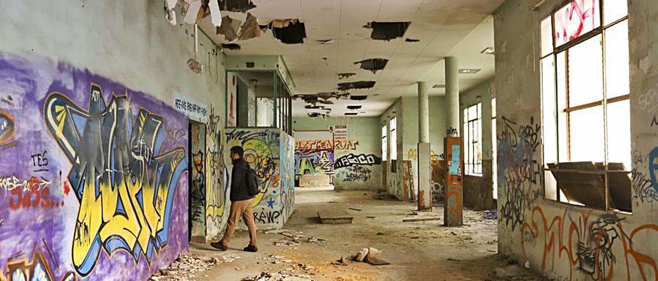 Estado del interior del edificio. | DANIEL TORTAJADA