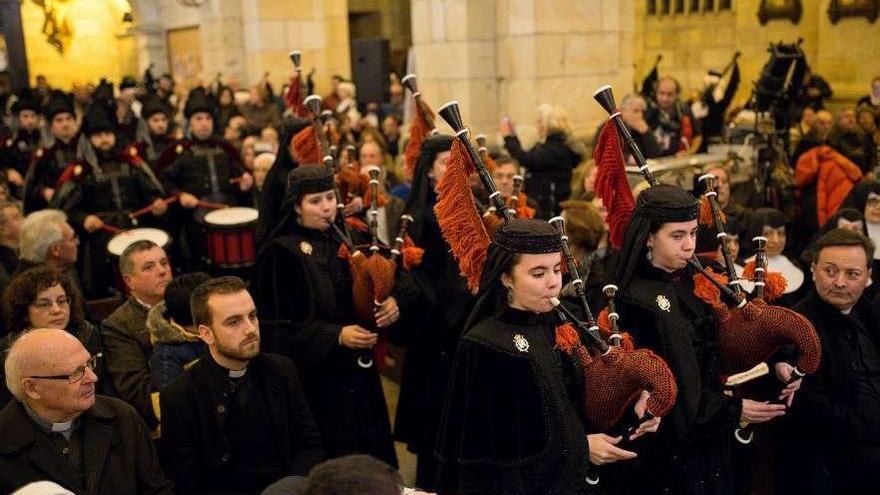 """La Real Banda de Gaitas estrena la """"Marcha Procesional da Nosa Señora dos Milagros"""""""