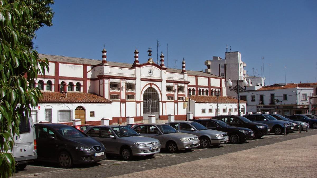 16 puestos para la vuelta de los industriales a la plaza de Abastos