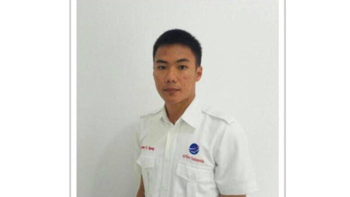 El héroe del terremoto de Indonesia: el controlador aéreo que perdió la vida por ayudar a un avión a despegar