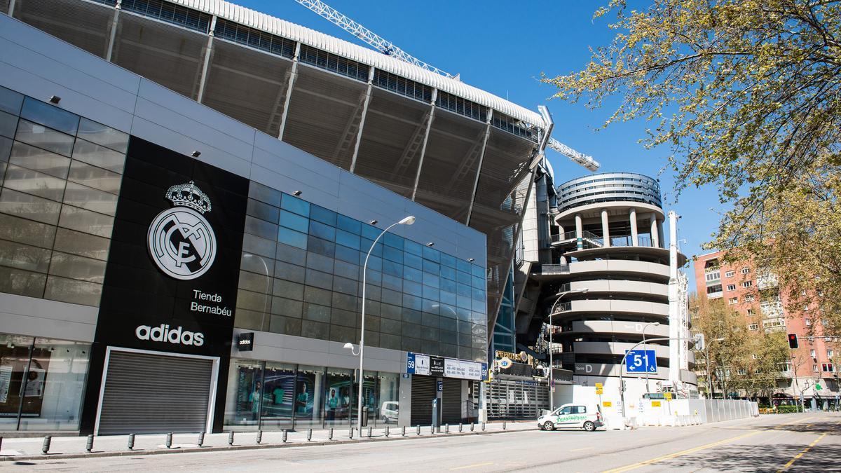 Fachada del Estadio Santiago Bernabéu.