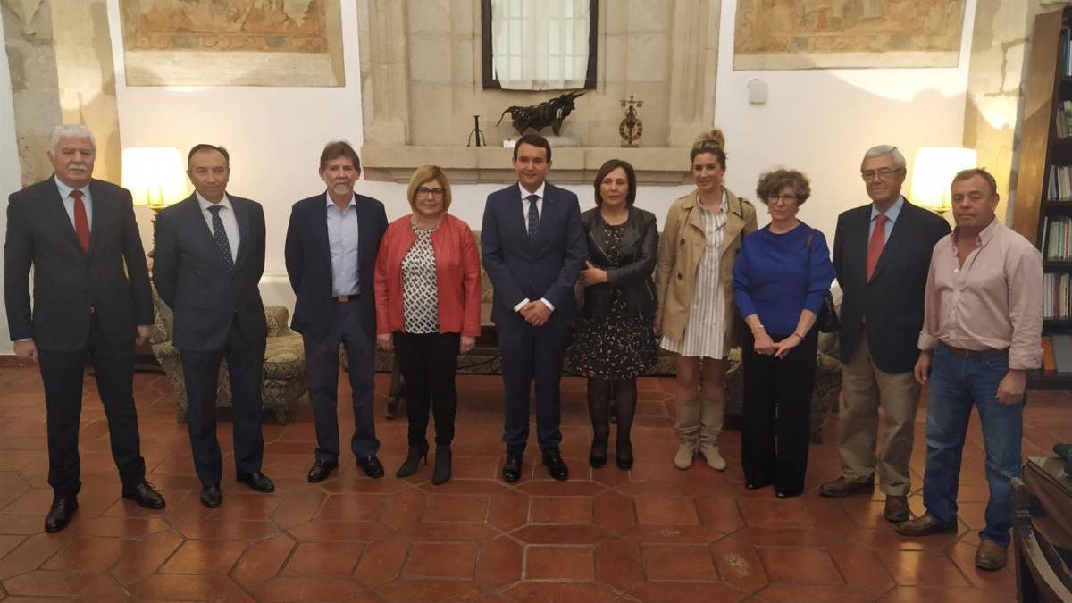 La Diputación de Cáceres y los ayuntamientos ensalzan los 40 años de democracia