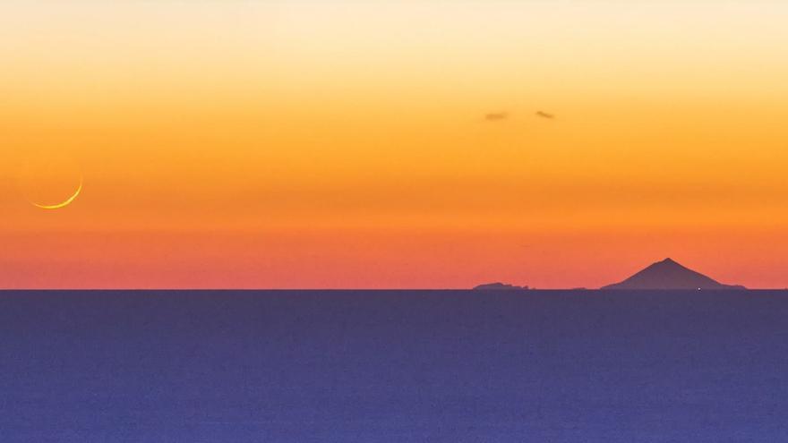 Los Ajaches, Lanzarote, contemplan al Teide