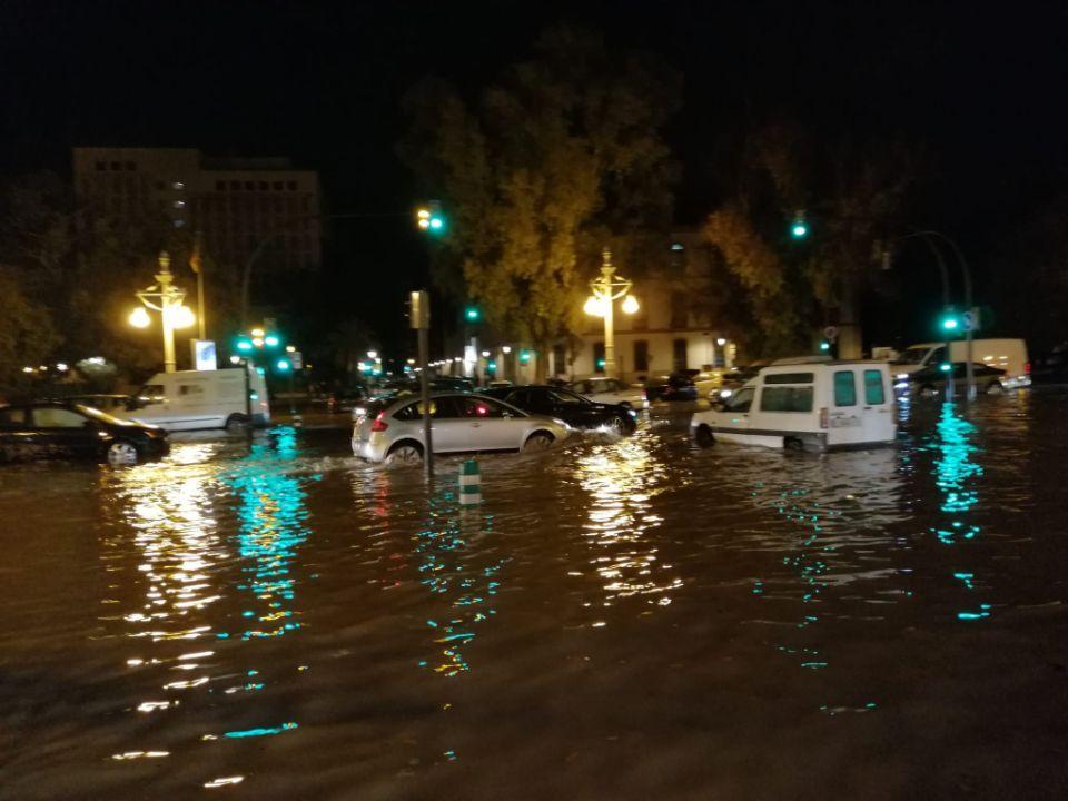 Paseo de la Alameda, anegado por el agua