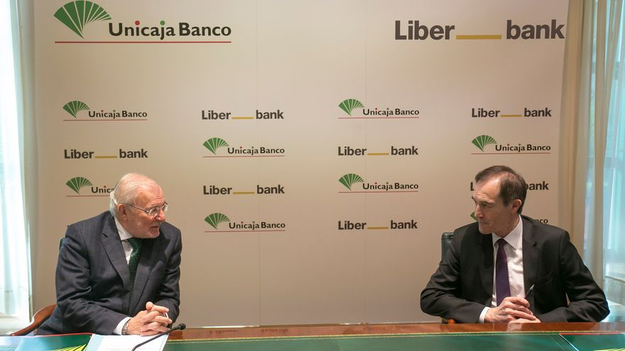 La fusión de Liberbank y Unicaja nun ye previsible qu'atope grandes oxeciones regulatories