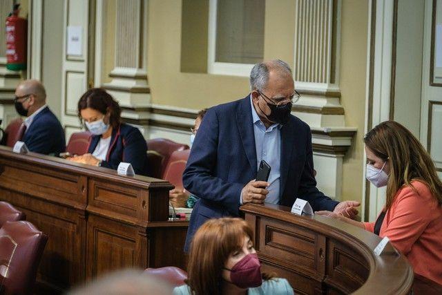 Segunda jornada del pleno en el Parlamento de Canarias