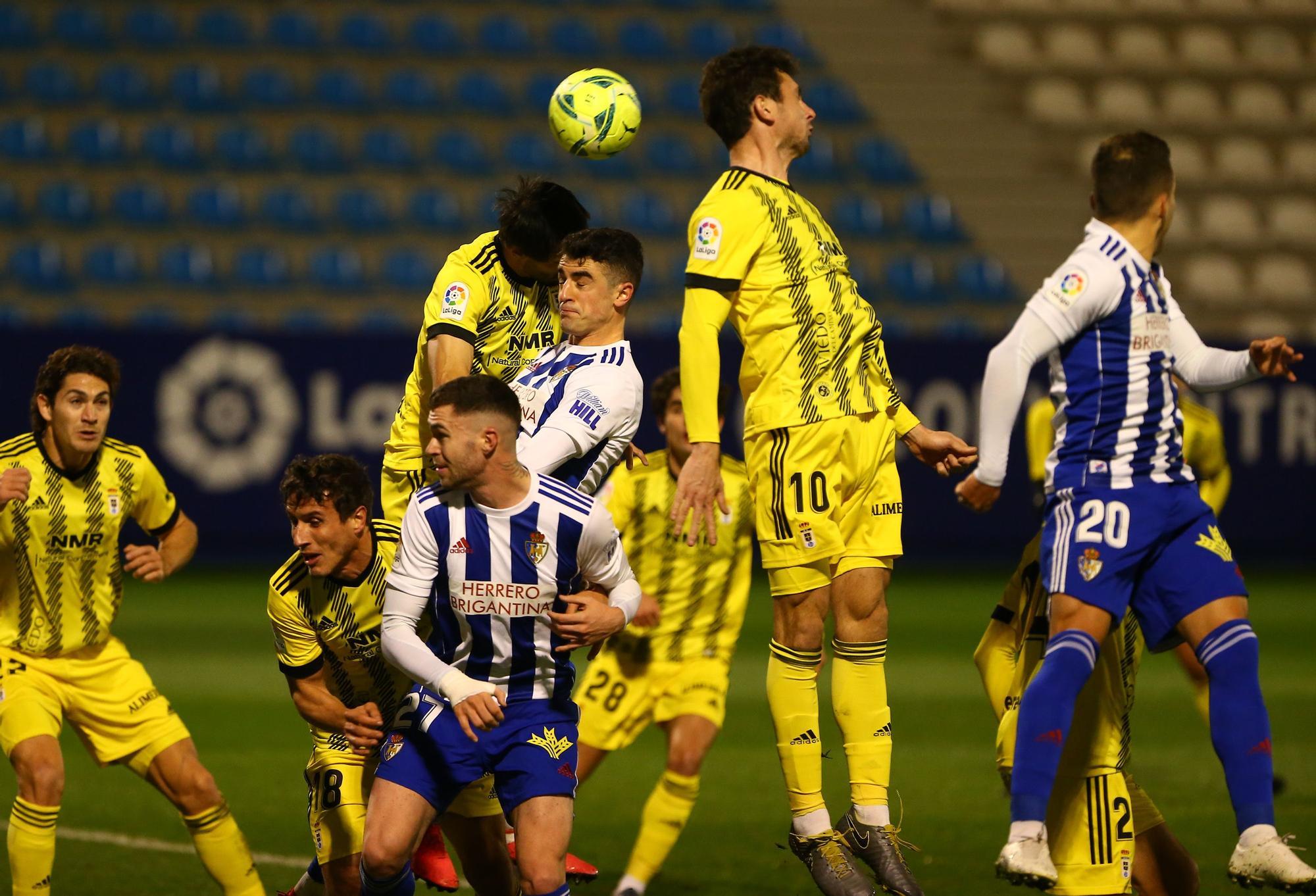 Las imágenes del Ponferradina-Oviedo