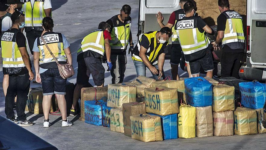 Ocho acusados aceptan 15 años de cárcel por un alijo de 4.000 kilos de hachís