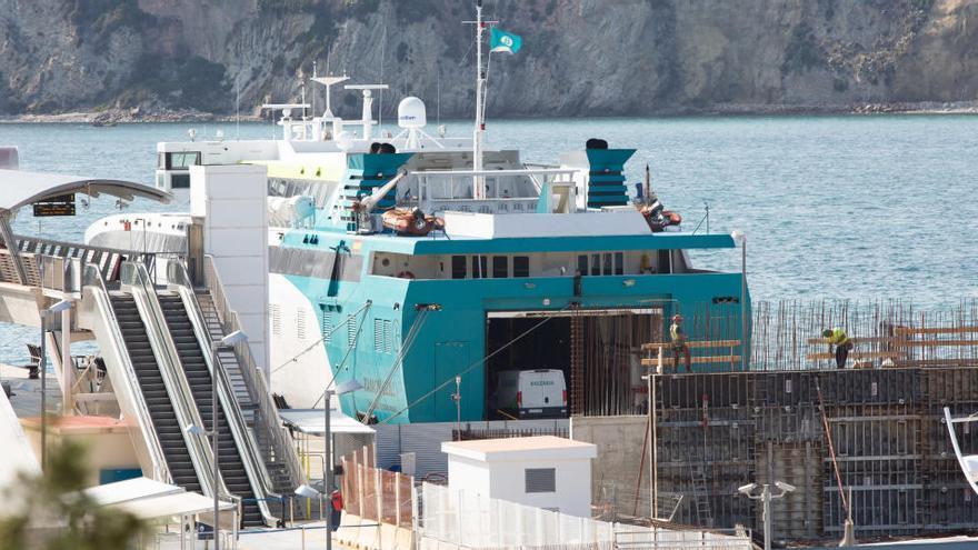 Los pasajeros marítimos entre islas bajan un 20 % en el primer trimestre