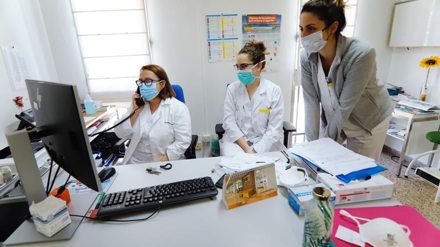 El SMS alerta del riesgo de colapso de los centros de salud y los consultorios