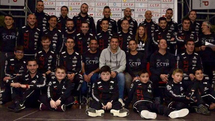 Presentación del equipo del Club Ciclismo Tríatlon Poio