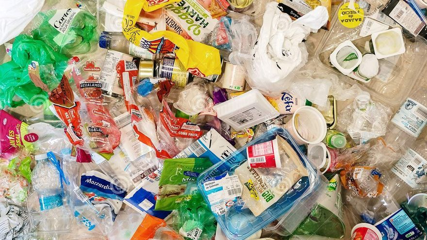 El Consell reforça la recollida selectiva d'envasos lleugers