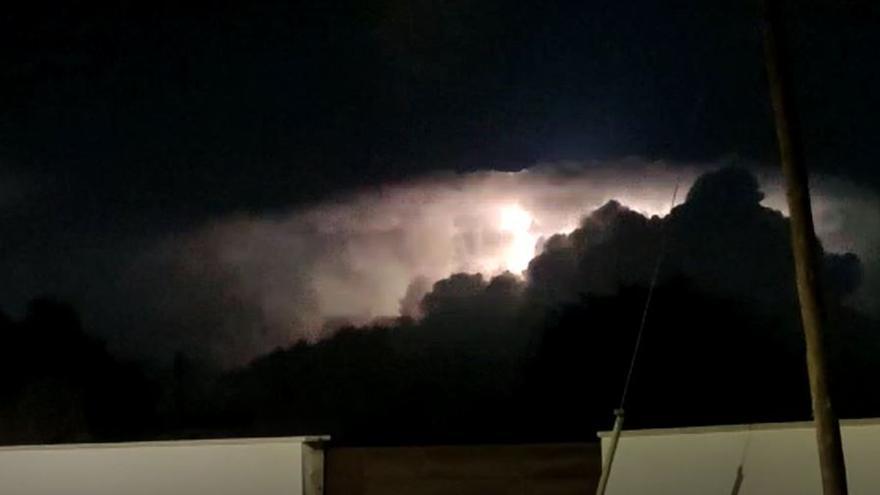 La tormenta eléctrica se ha podido observar desde varios puntos de Alicante