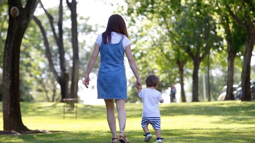 Una madre de Teruel logra el permiso materno y paterno al ser familia monoparental