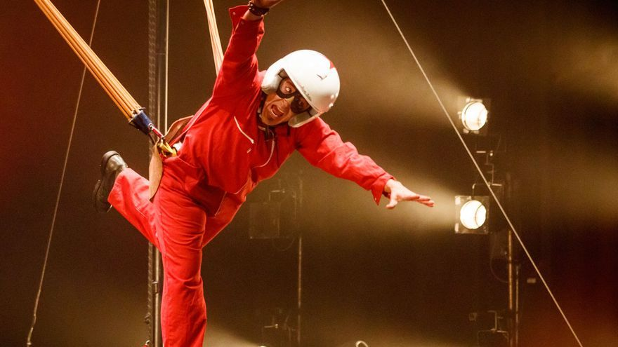Rock Cirk, circo infantil en Vigo con punteos de guitarra eléctrica